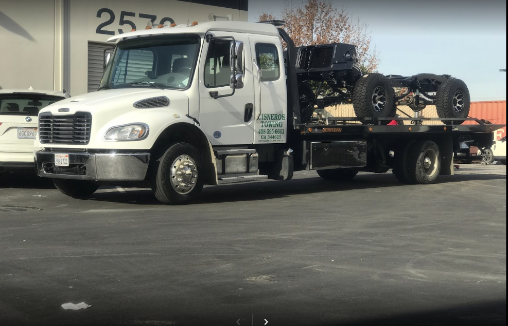 How to pick the professional towing service provider in your area